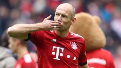 Aarjen Robben piensa en salir del retiro y volver al fútbol