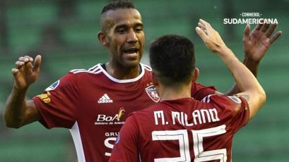 Copa Sudamericana: Roberto Mosquera y su Royal Pari avanzaron de fase