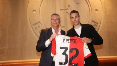 Robin Van Persie fue presentado en Feyenoord