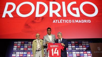 Rodrigo Hernández fue presentado oficialmente en el Atlético de Madrid