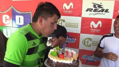 Unión Comercio: no creerás cómo terminó Ronald Ruíz tras cantar feliz cumpleaños (VIDEO)