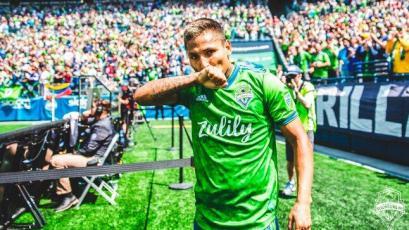 Raúl Ruidíaz compite con Zlatan Ibrahimovic por el mejor gol de la etapa en la MLS