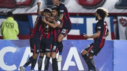 San Lorenzo sacó ventaja ante Nacional (3-1)