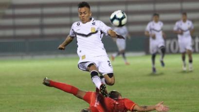 El gran gesto del técnico de Cienciano con el joven delantero de Cantolao que le anotó 2 goles a su equipo (VIDEO)