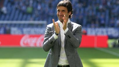 Raúl González puede llegar al banquillo del Schalke
