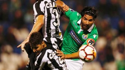¿Sebastián Abreu jugará en Perú con Deportivo Municipal?