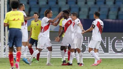 Incertidumbre y celebración: revive el tenso momento del segundo gol de la Selección Peruana frente a Colombia (VIDEO)