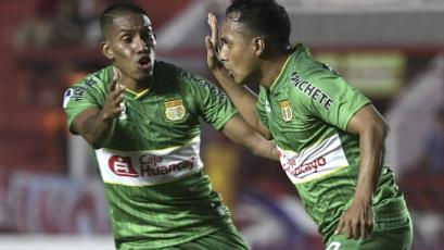 Argentinos Jrs. vs. Sport Huancayo: Marcos Lliuya abrió el marcador en La Paternal (VIDEO)