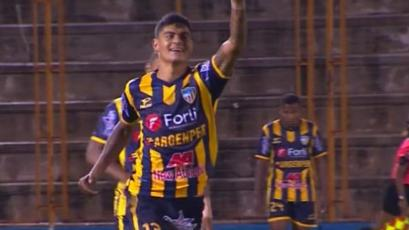 Sport Rosario golea a Ayacucho FC con 'hat trick' de Etchemaite