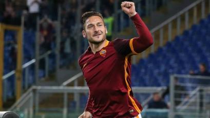 Los mejores goles de Francesco Totti en su 43 cumpleaños (VIDEO)