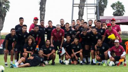 Universitario viaja esta medianoche a Argentina para enfrentar a Huracán y Boca Juniors
