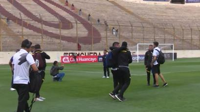 Universitario achicó lados de la cancha del estadio Monumental para enfrentar a Cantolao (VIDEO)