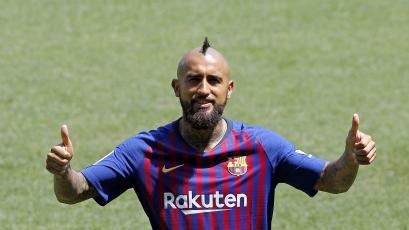 Arturo Vidal fue presentado oficialmente en el Camp Nou
