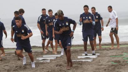 Liga1 Movistar 2020: Sporting Cristal entrenó en la playa con Washington Corozo a la cabeza