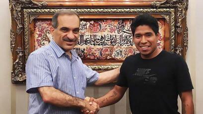 William Mimbela fue presentado por el Tractor Sazi FC de la Primera División de Irán (VIDEO)