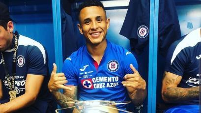 Yoshimar Yotún ganó la Supercopa de México con Cruz Azul y celebró un nuevo título