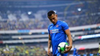 Yoshimar Yotún fue titular y sufrió la goleada de Cruz Azul en México (VIDEO)