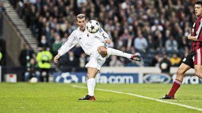 Champions League: uno de los mejores goles de la historia cumple 18 años (VIDEO)